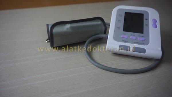 Tensimeter adalah sebuah alat ukur digital otomatis yang digunakan untuk mengukur sistem peredaran darah manusia seperti fungsi jantung dan tekanan darah.